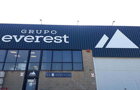 Logo Grupo Everest